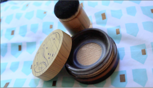 Tarte Amazonian Clay Full Coverage Airbrush Foundation in Fair Honey and Airbuki Powder Foundation Brush